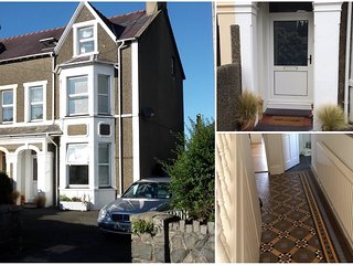 Large house sleeps 12 close to beach, pub & golf, Morfa Nefyn