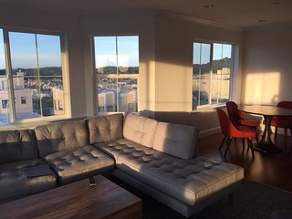 Furnished 3-Bedroom Condo at Judah St & 31st Ave San Francisco