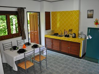 kitchen, dining table