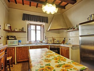 Large Villa with a Private Pool in Tuscany Near a Train to Arezzo - Villa Il
