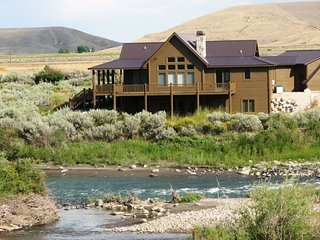 Beartooth Lodge, Clark