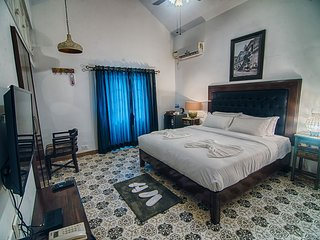 7 Bedroom Villa Stay In Nagoa, Goa