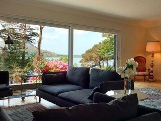 Large Lakefront House - Stunning Views!, Caragh Lake