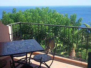 Casa Belvedere - apartment with lovely sea views, Sant' Alessio Siculo