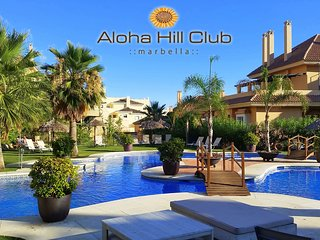 Aloha Hill Club, Puerto Banus - 2 bed Apt Sea View