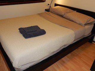 Execellent 2BRM Apartment Six-2mins to cafes shops, East Victoria Park