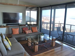 House has sea views from every room, Muizenberg