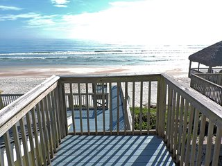 Direct Oceanfront Home 3 Bdrm 3 bath 2 Mstr Suites, New Smyrna Beach