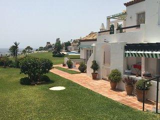 Playa de la Lucera I: luxe appartement aan zee, Mijas