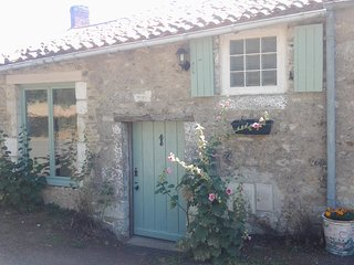 Pomme D'Amour two-bedroom self catering cottage with heated pool