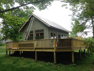 Owl Moon Retreat Cottage, Newfield