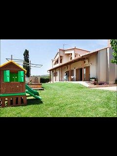Villa Elea: seaside country house