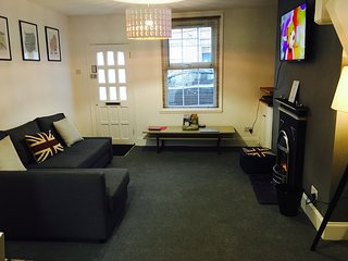 2 Bedroom House, Nearly London Luton Airport