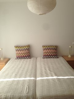Room 1 with twin bed