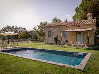 Il nido, lovely tuscan cottage with pool