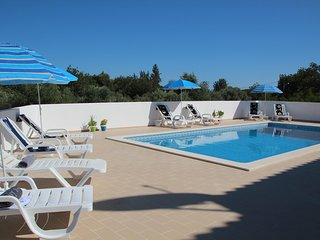 Villa Olive - EASTER DISCOUNTS APPLY - please enquire within, Loule