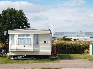 Poppy Caravan  - Superior Extra Wide Caravan, Clacton-on-Sea