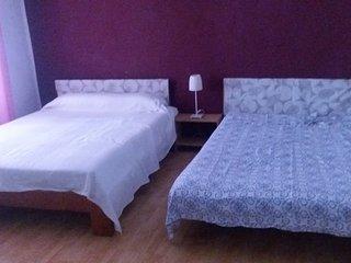 cama y desayuno para 4 persona en chalet rural, Castaño del Robledo