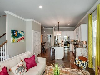 New House Near Vanderbilt and Belmont, High-End Decor, Pet Friendly