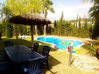 Casa Cunit for 8 guests,  just 5 minutes from the glimmering Mediterranean Sea, Costa Dorada