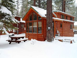 Cozy Pet friendly Lake Tahoe cabin, South Lake Tahoe