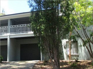101 Ironbark Family Townhouse Ironbark Townhouse 2 nights, Cams Wharf