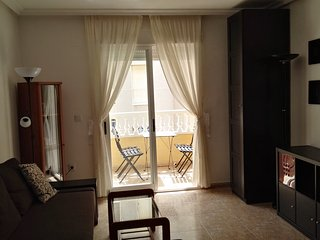 1 bedroom apartment 500mt from the city beach