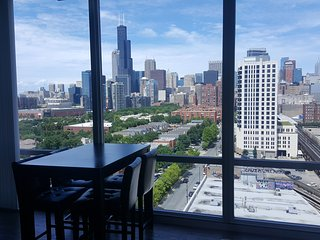 Breathtaking Views in Luxurious Apt Downtown!, Chicago