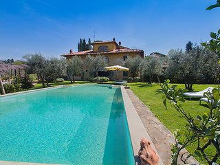 5 bedroom Villa in Florence, Florence and surroundings, Italy : ref 2372602, Pari