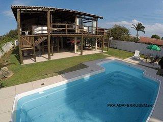 REF 360 Casa c/ piscina na Praia do Rosa