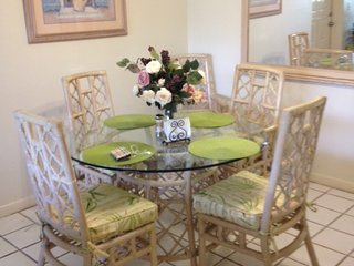 West Palm Beach, beautiful condo 8 minutes from the beach