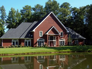 Private Lakefront Retreat, Columbus