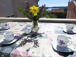 Apartment Jastip - Two Bedroom Apartment with Balcony (A4+2)