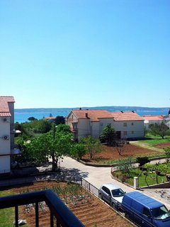A1(6+2): terrace view