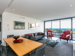 LORNE CHALET APARTMENT 39 - KATH - LUXURY RETREAT