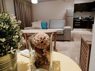 2b Vogue Seaview Duplex Apartment Finikoudes TL091, Larnaka City