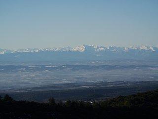 Vue sur les Pyrénées, des Fumades