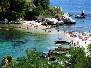 Panoramic te on the coast in Taormina home holidays