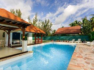 Villa Bohème avec piscine à deux pas du lagon