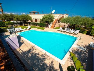 VILLA LUXURY with Swimming Pool, Cefalu