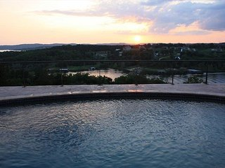 Majestic Overlook relax at this 6 bedroom, 4.5 bath home with a private pool!, Branson
