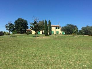 Villa in campagna con vista mare, Fano