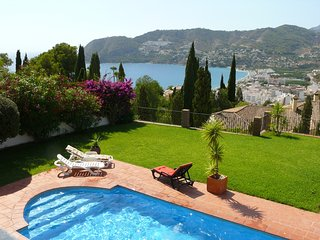 5 Bedroom Villa with Sea Views and Private Pool, La Herradura