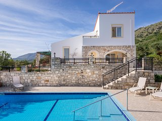 Villa Elbexx with sea view next to Georgioupolis 10% discount for April & May