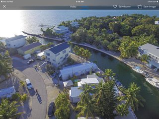 Islamorada cottage on deep water canal