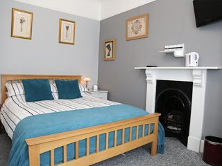 Acorns Guest House Combe Martin Room 6