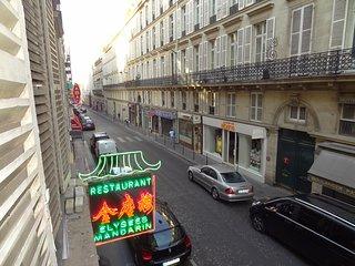 Quartier Champs Elysées - location 1 à 5 personnes