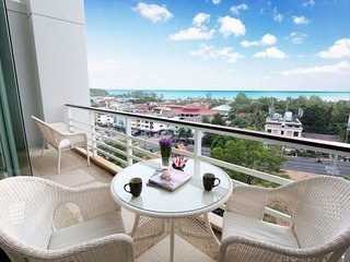 1 bedroom luxury sea view apartment Karon Hill