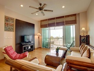 1 bedroom apartment on the 3d floor in Karon Hill