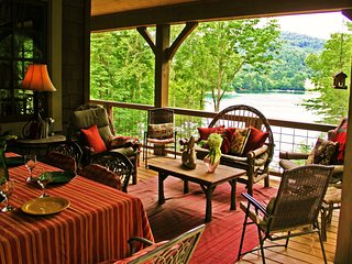 Fox Hollow Cottage - Luxury Lakefront Cabin, Cashiers